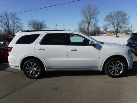 2018 Dodge Durango for sale at Dave's Car Corner in Hartford City IN