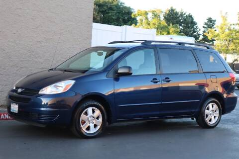 2005 Toyota Sienna for sale at Overland Automotive in Hillsboro OR