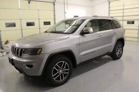 2017 Jeep Grand Cherokee for sale at RAYBURN MOTORS in Murray KY
