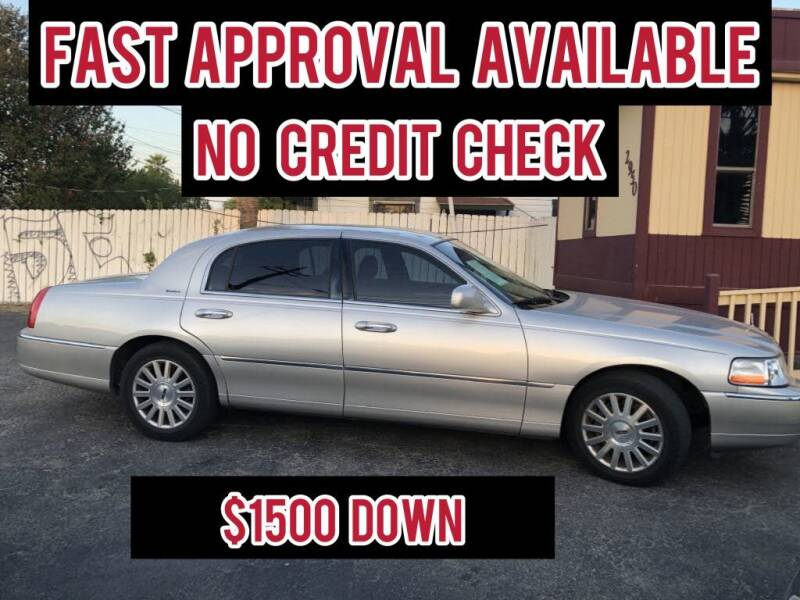 2003 Lincoln Town Car for sale at CARS FROM US LLC in San Antonio TX