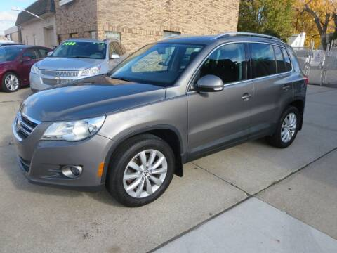 2011 Volkswagen Tiguan for sale at Drive Auto Sales in Roseville MI