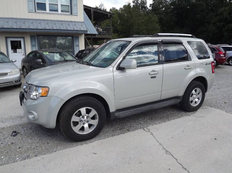 2009 Ford Escape for sale at Country Side Auto Sales in East Berlin PA