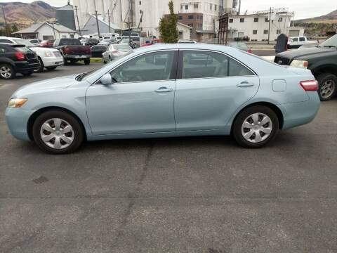 2009 Toyota Camry for sale at Creekside Auto Sales in Pocatello ID