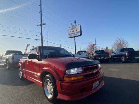 2000 Chevrolet S-10 for sale at S&S Best Auto Sales LLC in Auburn WA