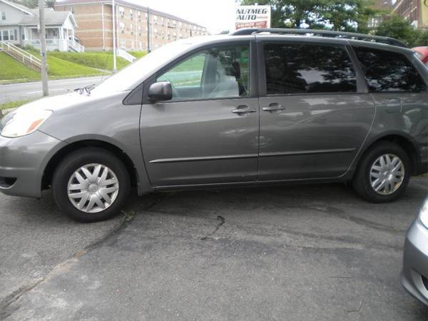 2004 Toyota Sienna for sale at Lee Motor Sales Inc. in Hartford CT