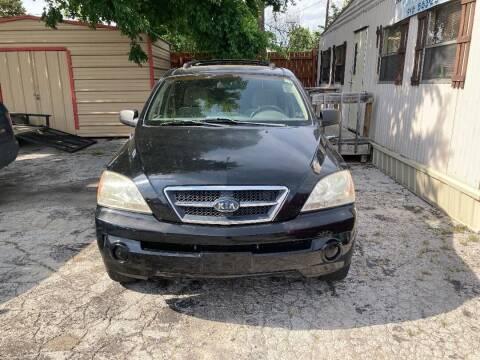 2004 Kia Sorento for sale at Used Car City in Tulsa OK