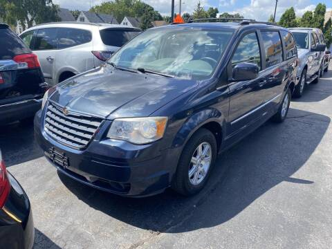 2009 Chrysler Town and Country for sale at CLASSIC MOTOR CARS in West Allis WI