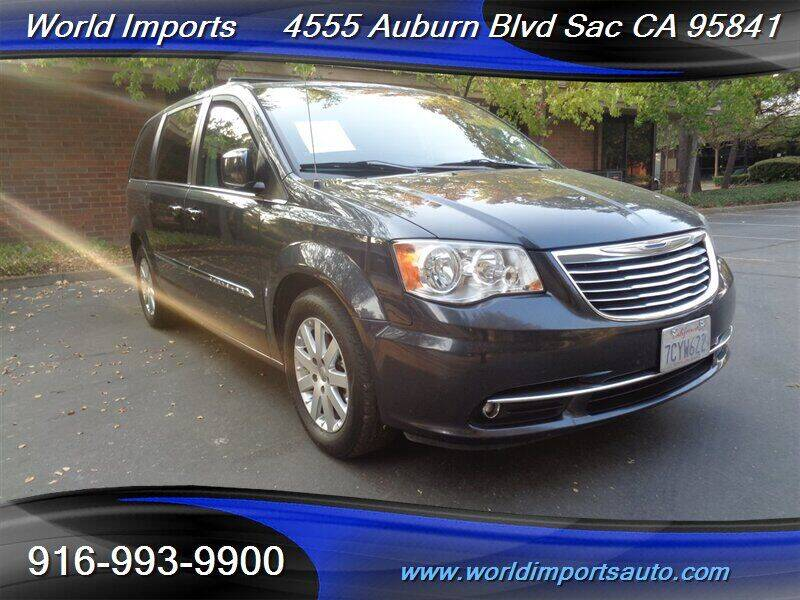 2014 Chrysler Town and Country for sale at World Imports in Sacramento CA
