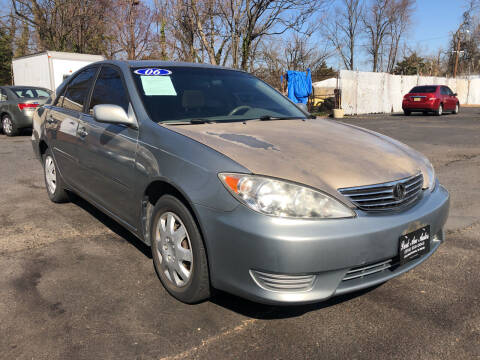 2006 Toyota Camry for sale at PARK AVENUE AUTOS in Collingswood NJ