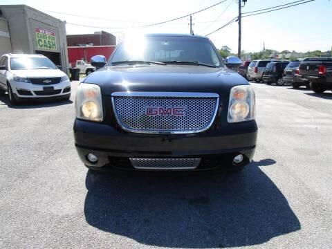 2008 GMC Yukon for sale at DERIK HARE in Milton FL