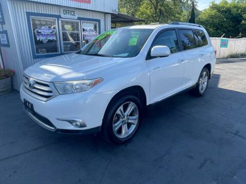 2011 Toyota Highlander for sale at 3 BOYS CLASSIC TOWING and Auto Sales in Grants Pass OR
