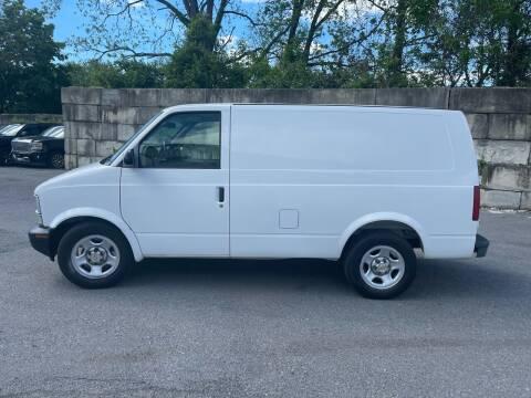 2005 Chevrolet Astro Cargo for sale at Bob's Motors in Washington DC