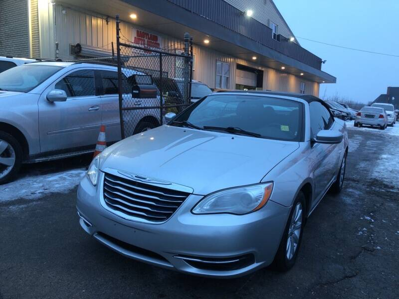 2012 Chrysler 200 Convertible for sale in Youngstown, OH