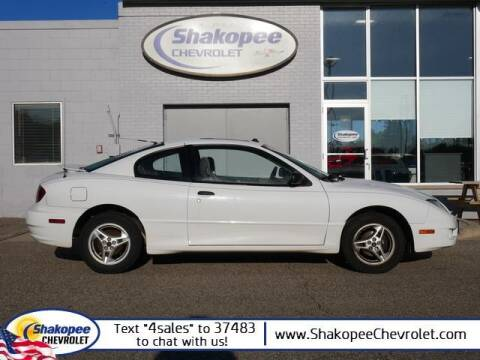 2005 Pontiac Sunfire for sale at SHAKOPEE CHEVROLET in Shakopee MN