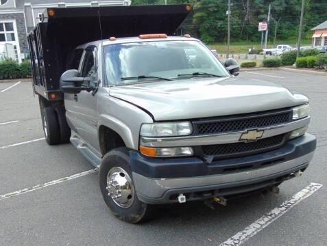 2001 Chevrolet Silverado 3500 for sale at Lakewood Auto in Waterbury CT