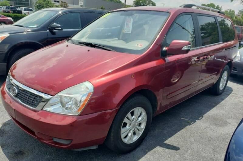 2006 Kia Sedona for sale at Dad's Auto Sales in Newport News VA