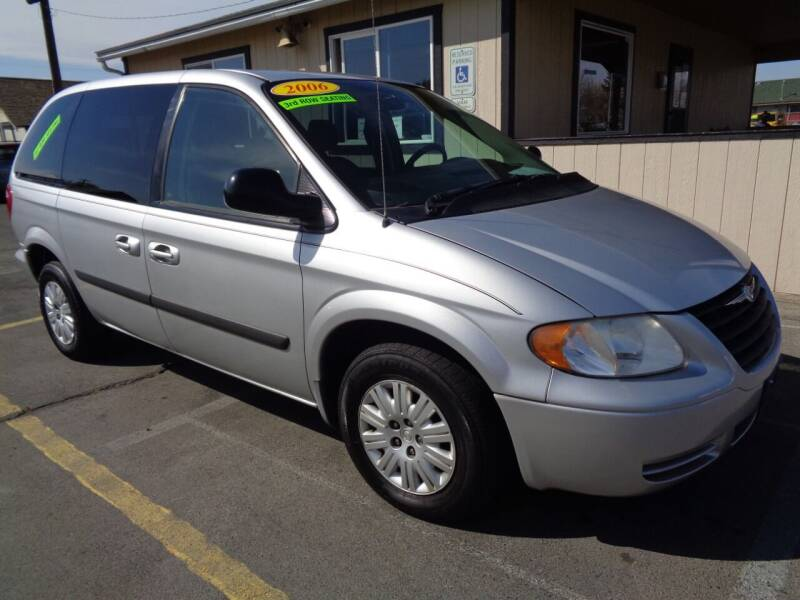 2006 Chrysler Town and Country for sale at BBL Auto Sales in Yakima WA