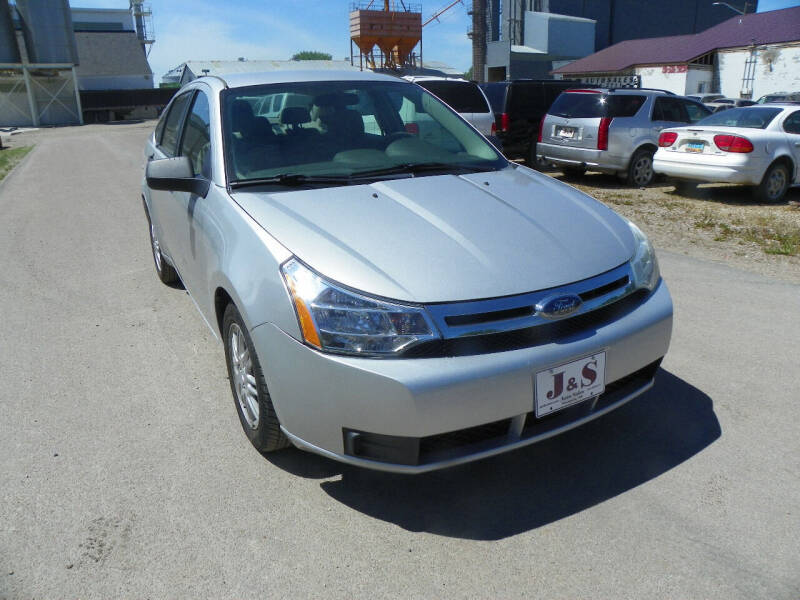 2009 Ford Focus for sale at J & S Auto Sales in Thompson ND