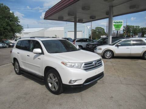 2011 Toyota Highlander for sale at Perfection Auto Detailing & Wheels in Bloomington IL