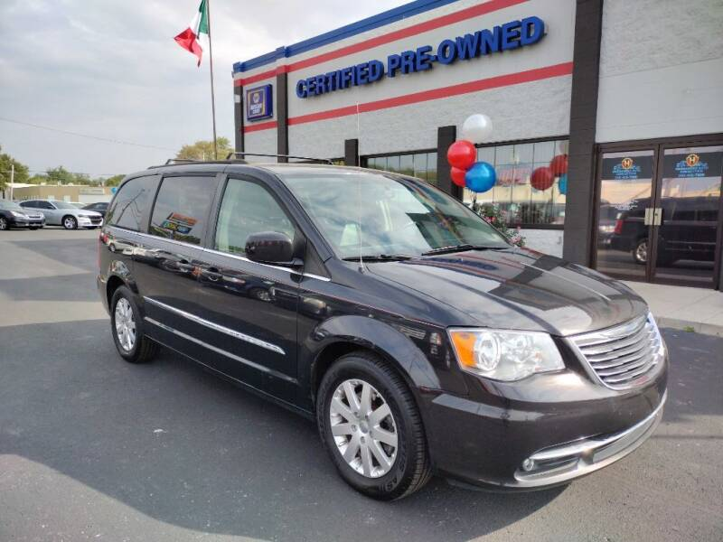 2015 Chrysler Town and Country for sale at Ultimate Auto Deals DBA Hernandez Auto Connection in Fort Wayne IN