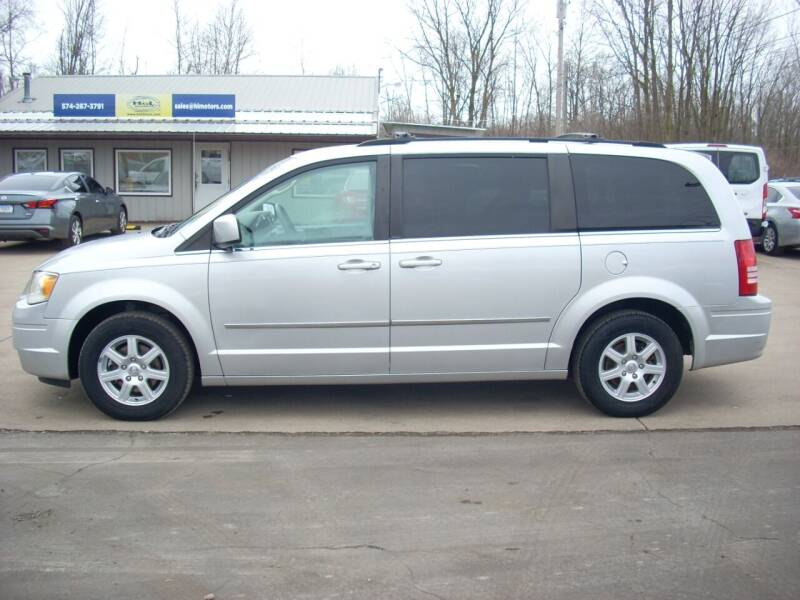 2010 Chrysler Town and Country for sale at H&L MOTORS, LLC in Warsaw IN