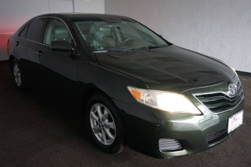 2011 Toyota Camry for sale at World Auto Net in Cuyahoga Falls OH