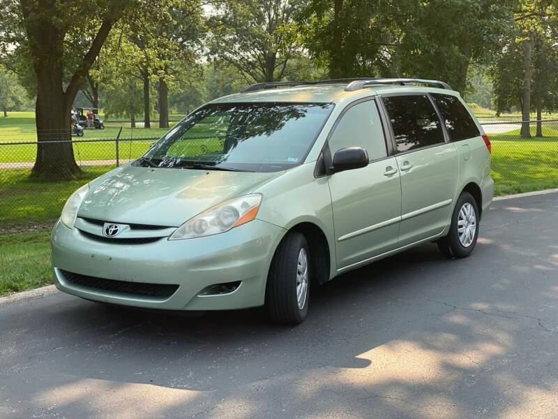 2009 Toyota Sienna for sale in Saint Charles, MO