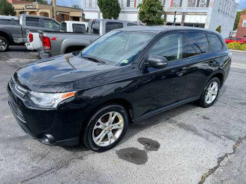 2014 Mitsubishi Outlander for sale at East Main Rides in Marion VA