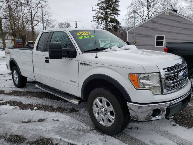 2013 Ford F-150 for sale at The Car Mart in Milford IN
