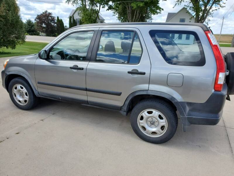 2006 Honda CR-V for sale at The Auto Shoppe Inc. in New Vienna IA