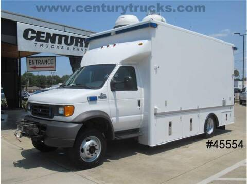 2003 Ford E-Series Chassis for sale at CENTURY TRUCKS & VANS in Grand Prairie TX