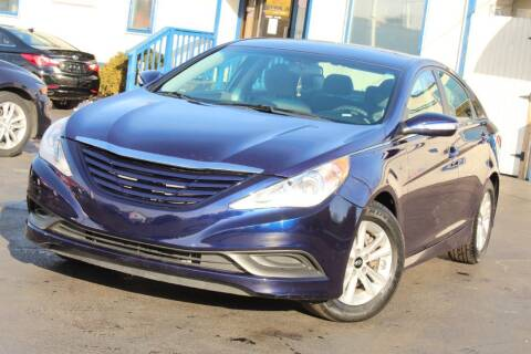 2014 Hyundai Sonata for sale at Dynamics Auto Sale in Highland IN