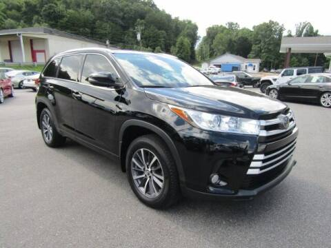 2017 Toyota Highlander for sale at Specialty Car Company in North Wilkesboro NC