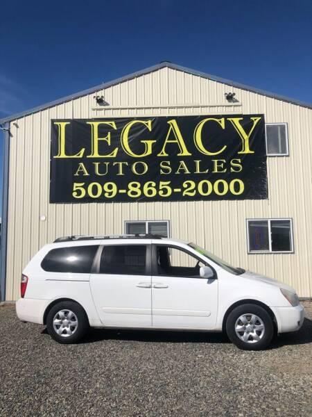 2007 Kia Sedona for sale at Legacy Auto Sales in Toppenish WA