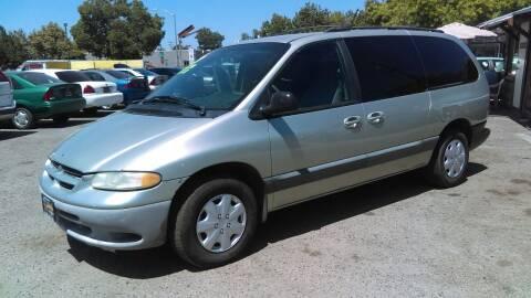 2000 Dodge Grand Caravan for sale at Larry's Auto Sales Inc. in Fresno CA