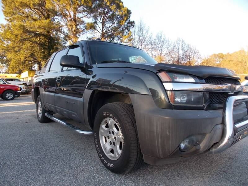2005 Chevrolet Avalanche for sale at Deer Park Auto Sales Corp in Newport News VA