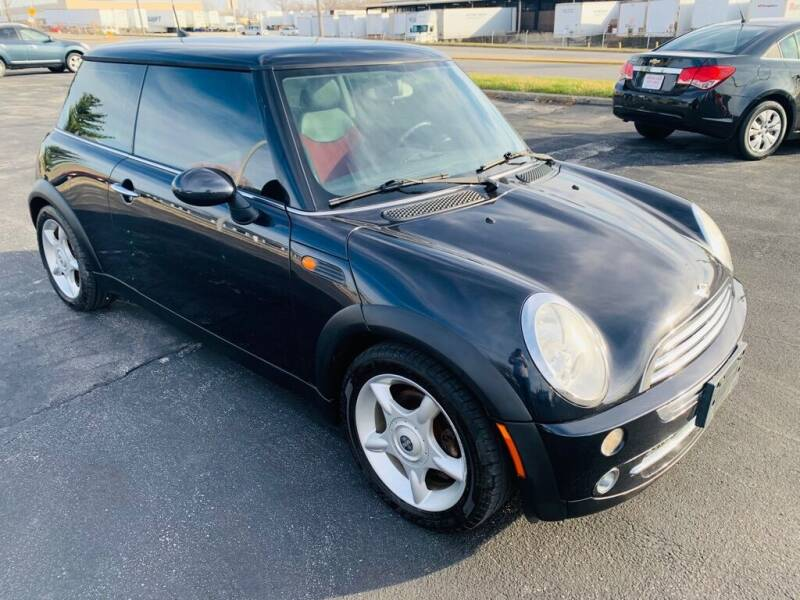 2005 MINI Cooper for sale at Central Iowa Auto Sales in Des Moines IA