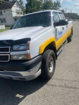 2005 Chevrolet Silverado 3500 for sale at AMERI-CAR & TRUCK SALES INC in Haskell NJ