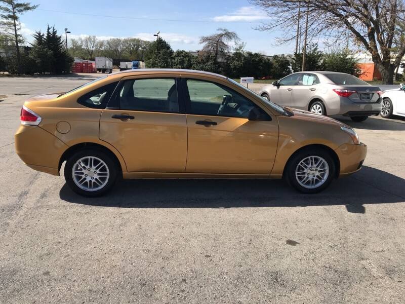 2009 Ford Focus SE 4dr Sedan - Lawrence KS