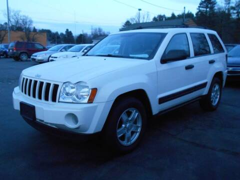 2005 Jeep Grand Cherokee for sale at MT MORRIS AUTO SALES INC in Mount Morris MI