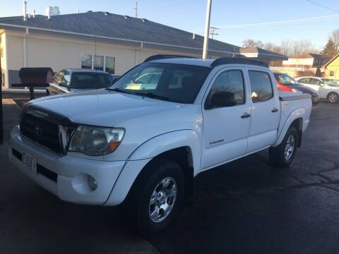 2005 Toyota Tacoma for sale at Hoss Sage City Motors, Inc in Monticello IL