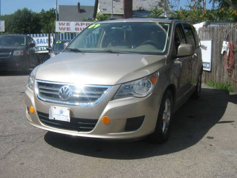 2009 Volkswagen Routan for sale at JERRY'S AUTO SALES in Staten Island NY