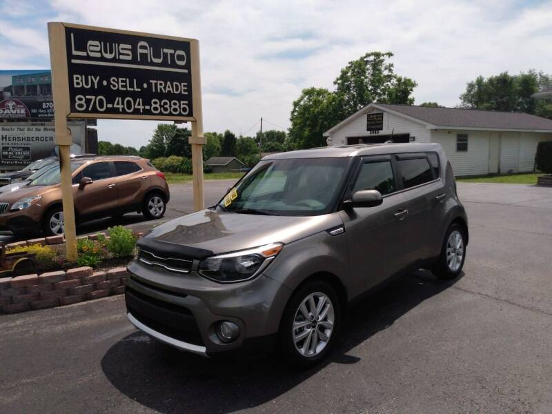 2018 Kia Soul for sale at LEWIS AUTO in Mountain Home AR
