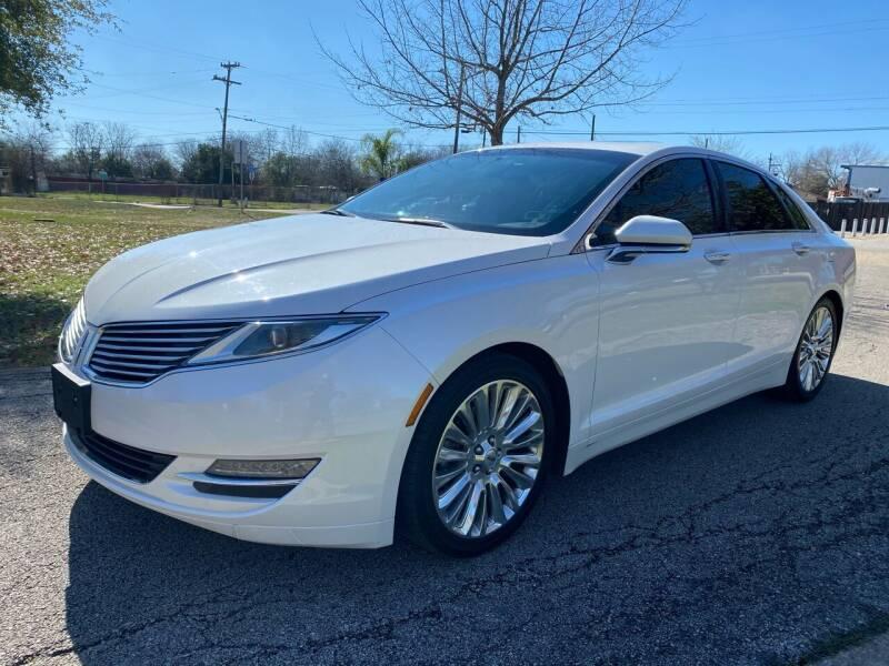 2015 Lincoln MKZ for sale at GTC Motors in San Antonio TX