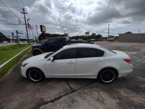 2008 Honda Accord for sale at BIG 7 USED CARS INC in League City TX