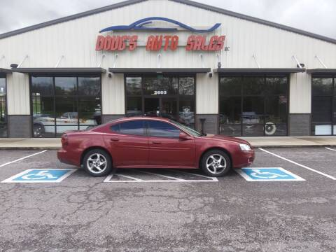 2004 Pontiac Grand Prix for sale at DOUG'S AUTO SALES INC in Pleasant View TN
