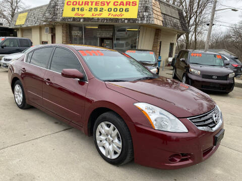 2011 Nissan Altima for sale at Courtesy Cars in Independence MO
