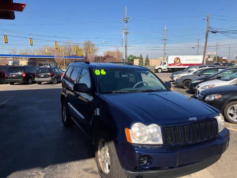 2006 Jeep Grand Cherokee for sale at Drive Max Auto Sales in Warren MI