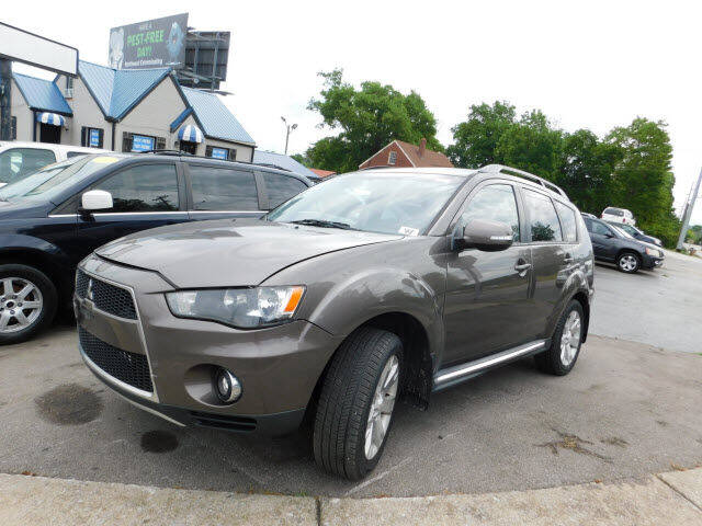 2011 Mitsubishi Outlander for sale at WOOD MOTOR COMPANY in Madison TN