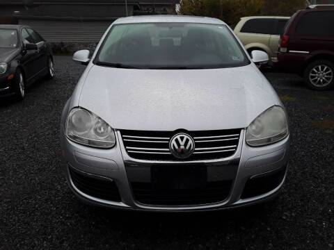 2007 Volkswagen Jetta for sale at BSA Pre-Owned Autos LLC in Hinton WV